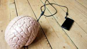 телефон и мозг