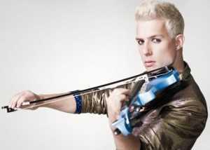 музыкант со скрипкой